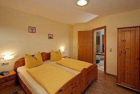 Ferienwohnung Obstgarten und Kirschblüte - Schlafzimmer